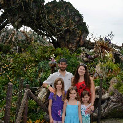 My family enjoying Pandora - The World of Avatar