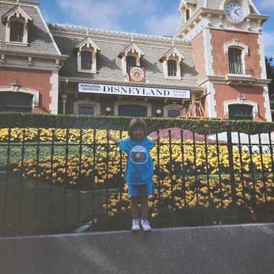 A little throwback to some retro Disneyland