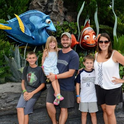 Posing with Dory and Nemo at Epcot